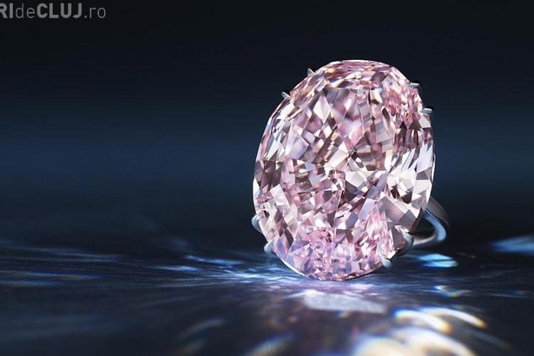 """Record Triplu: Diamantul """"The Pink Star"""" a fost vândut cu 83 de milioane de dolari"""