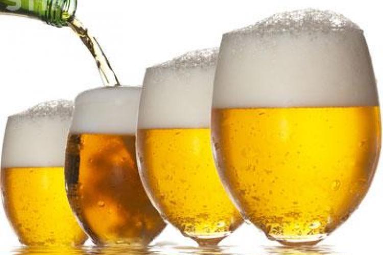 Apa, sucul și bere, produsele cele mai populare în rândul românilor