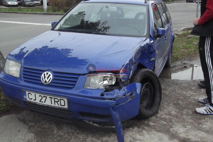 Accident la podul Calvaria! Un șofer clujean a fost lovit de tramvaiul MOV - FOTO
