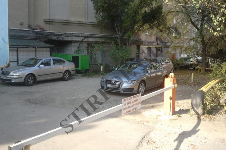 Lucan, implicat într-un accident pe Clinicilor cu Audi -ul A7. A lovit şi a plecat - FOTO