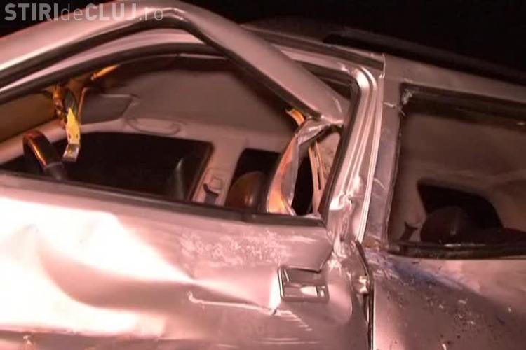 """Accident în Turda, în seara de Luminație. Un TIR rămas fără FRÂNE a """"măturat"""" patru mașini - VIDEO"""