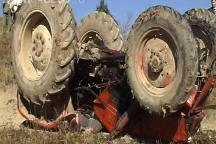 Tragedie cumplită la Dej! Bărbat strivit de tractor