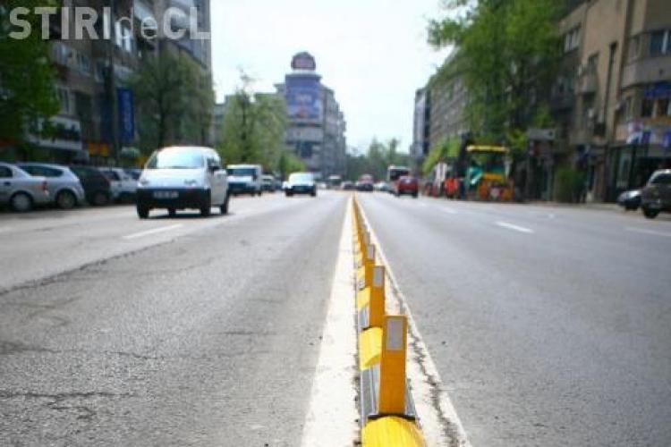 Primăria montează separatori de trafic pe strada Horea, în zona parcării Ambulanței