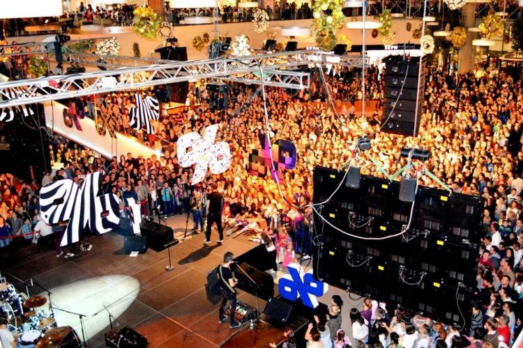 Jumătate din locuitorii din Cluj-Napoca au făcut cumpărături la Iulius Mall Cluj în 2 zile - FOTO