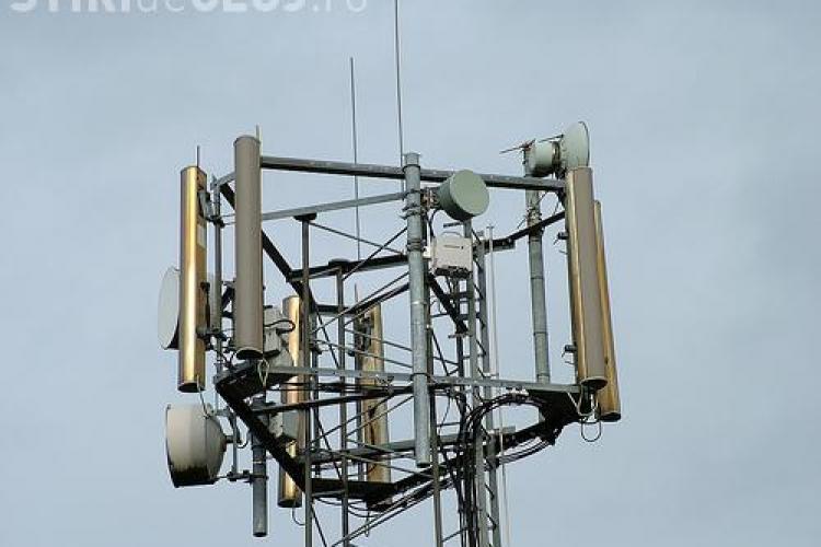Antenele GSM montate pe blocuri sunt periculoase. Ce explică specialiștii?