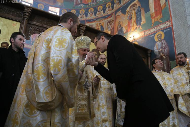"""Ponta a primit la Cluj """"Crucea Transilvană"""": Biserica e un simbol"""
