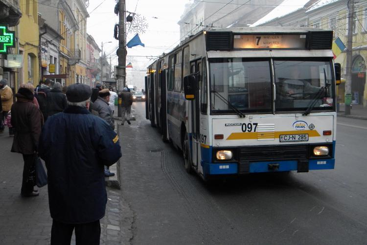 """RATUC instituie o """"taxă specială"""" pentru achiziția de autobuze și troleibuze noi"""