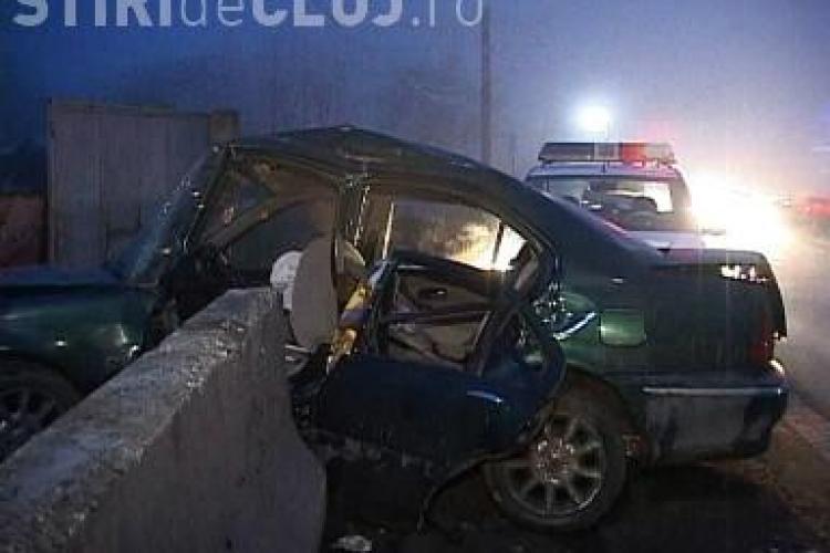 Un șofer a intrat într-un parapet de pe Dealul Feleacului