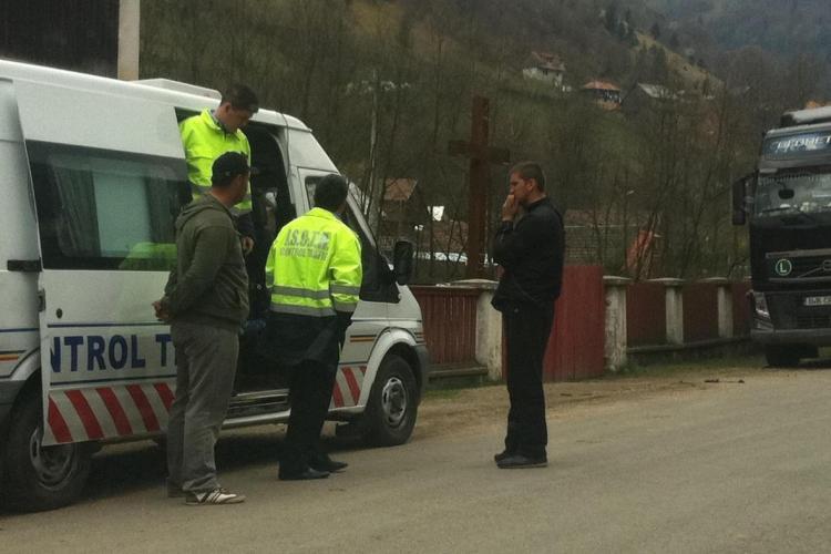 Bătaie pe lemne furate la Măguri! Un tânăr a murit SUSPECT în timp ce era la furat de lemne