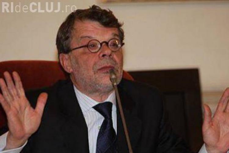 Ministrul Culturii, Daniel Barbu, A DEMISIONAT după ce a fost indignat de bugetul HIV/SIDA, dublu față de cel al Culturii