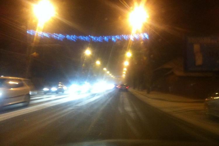 NINGE la Cluj-Napoca! Zăpada începe să se depună pe carosabil - FOTO
