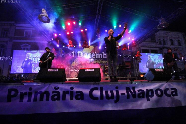 Elena Gheorghe și Voltaj au cântat la Târgul de Crăciun din Piața Unirii - FOTO