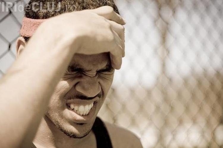 Loviturile la cap pot avea efecte dăunătoare chiar și peste zeci de ani. Vezi ce spun experții