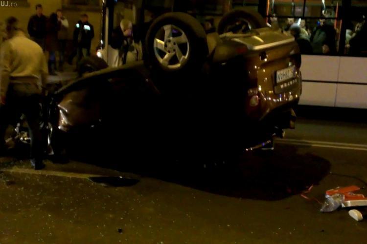 Accident grav pe strada Moților! Un Duster s-a răsturnat din cauza vitezei - VIDEO