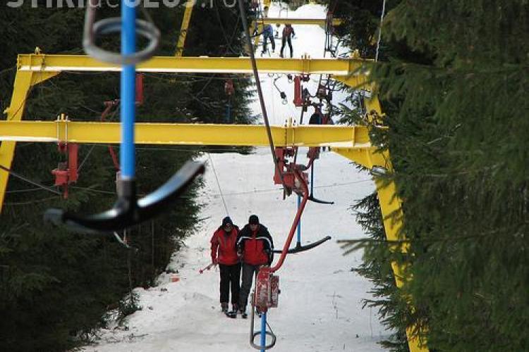 Se schiază la Băișoara! A fost pornit teleschiul