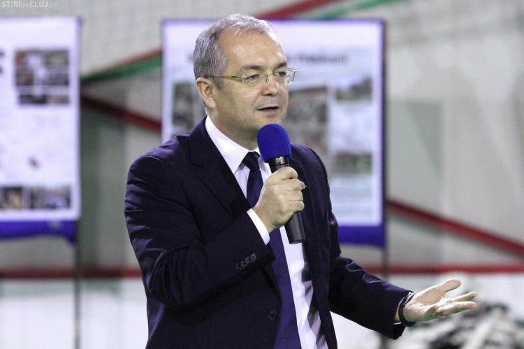 Primarul Emil Boc și-a cerut scuze de la clujeanca de 86 de ani pusă pe drumuri de angajații din subordine
