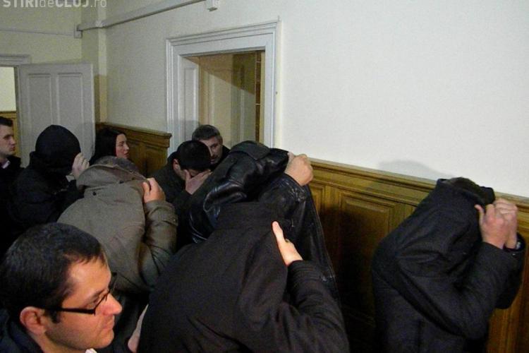 12 polițiști clujeni de la rutiera, trimisi in judecata pentru zeci de spagi. S-au uitat și la un bax cu bere