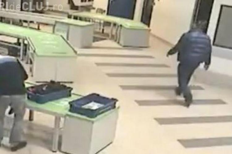 Bebeluș salvat de un angajat al unui aeroport! IMAGINI IREALE - VIDEO