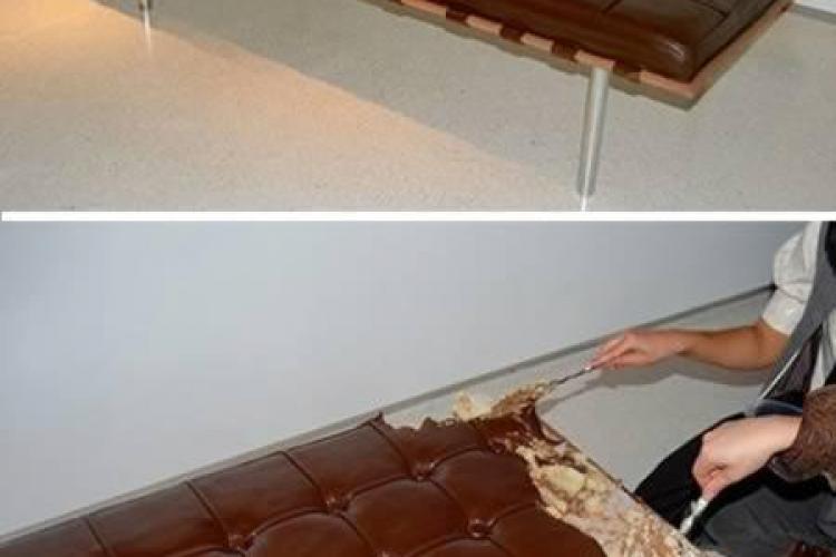 Topul celor mai ciudate canapele din LUME. Canapeaua de ciocolată sau sau covor-zburător - FOTO