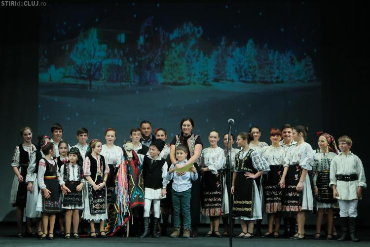 Deputatul Elena Uioreanu, colindată de copii la Casa de Cultura din Huedin și la Teatrul Municipal Turda