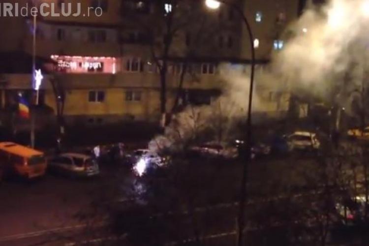 REVELION în Mănăștur! Pe Calea Mănăștur clujenii au aprins artificii la fiecare bloc - VIDEO