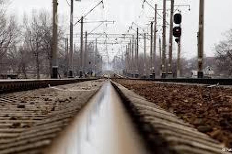 Prinși când furau cabluri din cupru de la instalația de dirijare a traficului feroviar între staţiile CFR Câmpia Turzii și Cânepişti