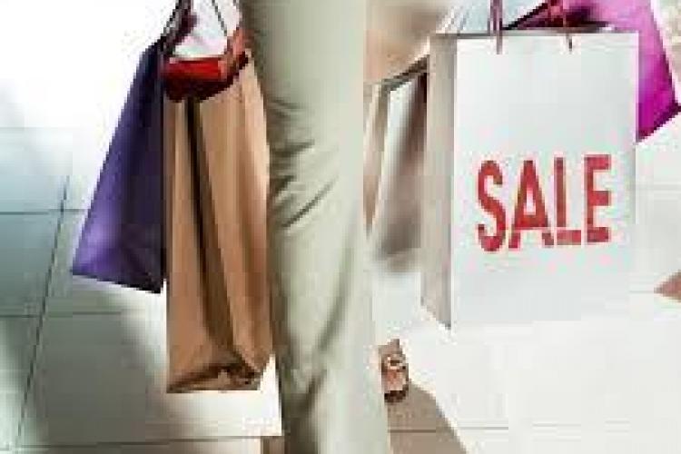 Dezvăluiri despre industria textilă din România: O treime din hainele din magazine sunt contrafăcute