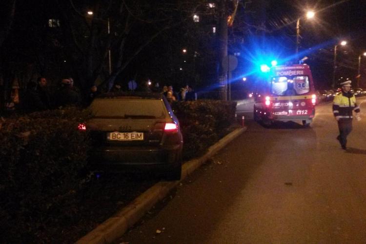 Accident pe strada Unirii, cartierul Gheorgheni! Un băcăuan a luat o tânără pe capotă - FOTO