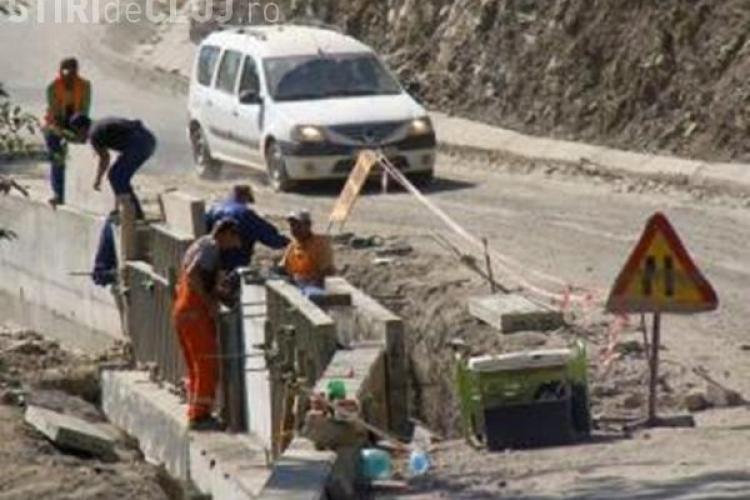 JAF de proporții pe drumul Răchițele - Ic Ponor! S-a folosit beton mai ieftin și mai prost - DEZVĂLUIRI