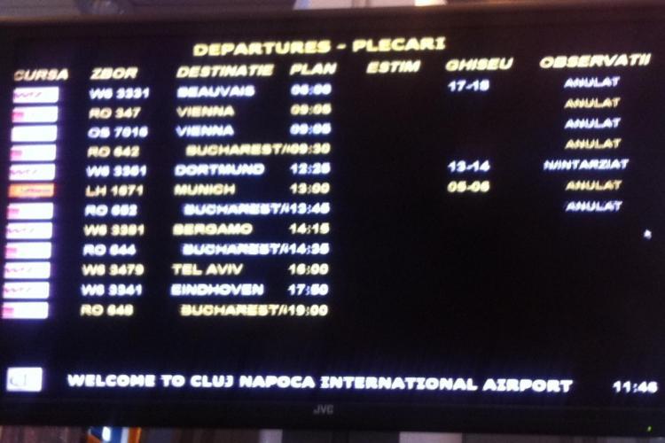 Aeroportul Cluj este blocat de CEAȚĂ de marți dimineața - VIDEO