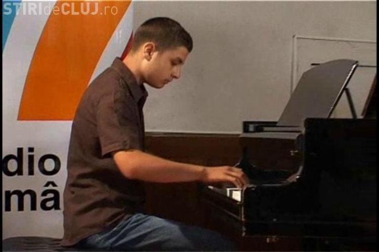 VIDEO: O banca ofera burse pentru copiii saraci, dar talentati la muzica! 13 micuti au participat astazi la preselectia de la Cluj!
