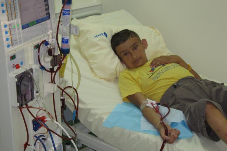 34 de copii condamnati la dializa se bucura de o vacanta de 7 zile la Marea Neagra