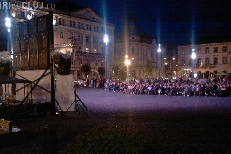 """Anotimpurile lui Vivaldi"", live duminica seara, in Piata Unirii"