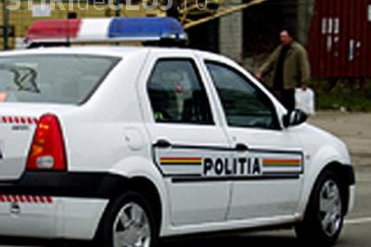 Un barbat din Turda, prins fara permis, si-a abandonat masina si a luat-o la fuga