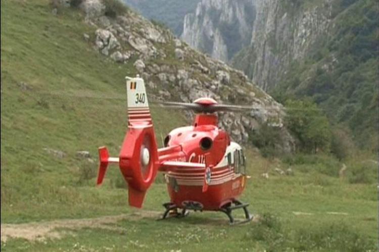 Accident la Cheile Turzii. Un salvamontist care facea catarari a cazut intr-o prapastie - VIDEO  si FOTO