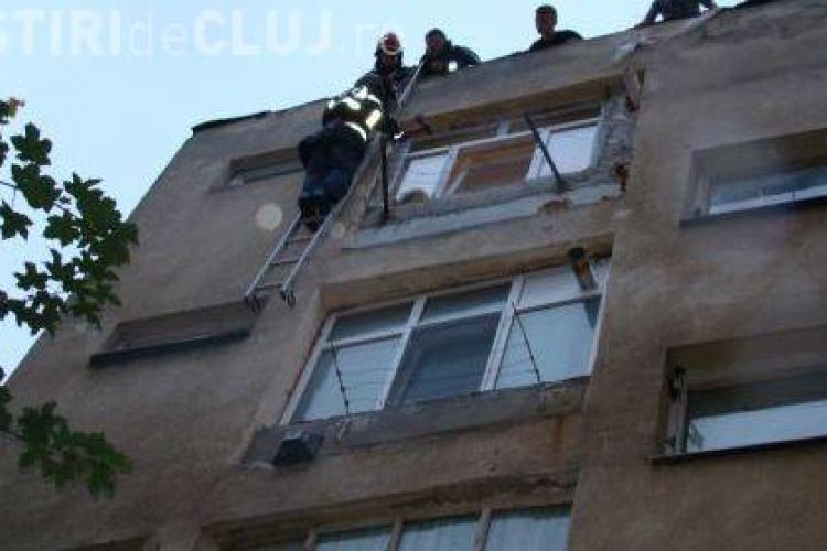 Cinci batrani din Cluj, lesinati de caldura in propriile case, au fost salvati de pompieri