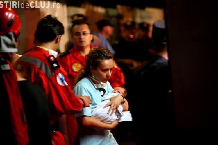 Imagini din incendiul de la maternitatea Giulesti. Personalul medical nu face nimic pentru a-i salva pe bebelusi - VIDEO