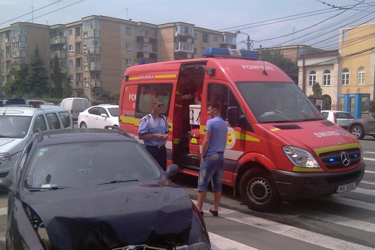 Accident grav la intersectia strazilor Vasile Lupu si Aron Densusianu