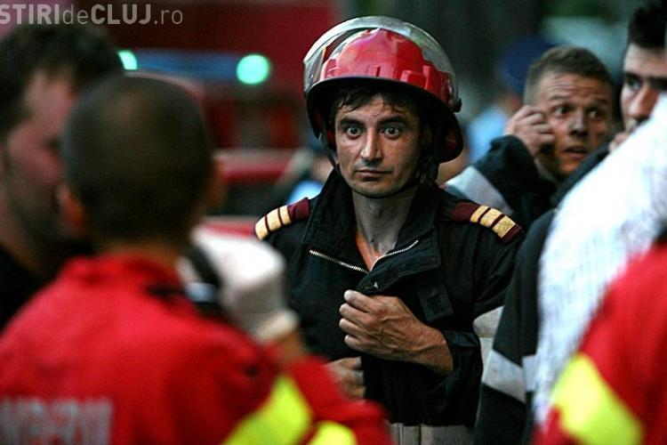 Pompierii care au salvat 60 de femei insarcinate si 42 de nou-nascuti din incendiul de la maternitatea Giulesti, avansati in grad