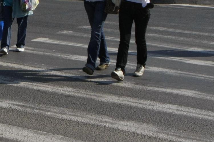 O tanara a fost ranita pe o trecere de pietoni, pe strada Observatorului din Cluj-Napoca