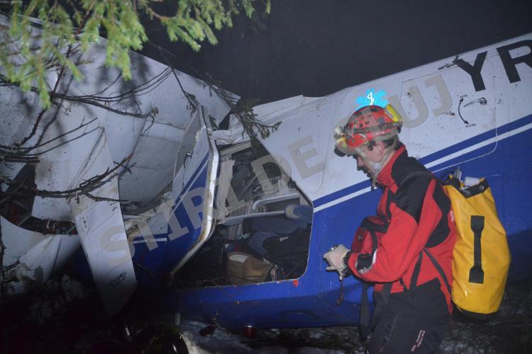 Salvamontiștii din Cluj au pierdut peste 2 ore cu deplasarea la Crucea Iancului, foarte departe de zona în care s-a prăbușit avionul