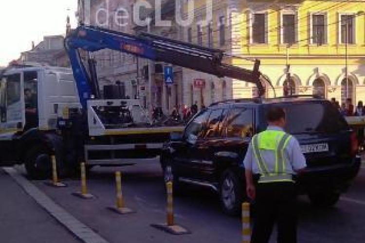 Poliția locală îi RUPE cu amenzi pe șoferii care parchează neregulamentar