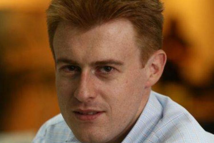 Un renumit jurnalist român, Andrei Postelnicu, s-a prăbuşit cu avionul în Atlantic