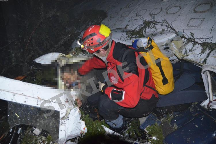 Autorităţile au fost depăşite la ACCIDENTUL AVIATIC: Cadavrul lui Iovan a fost legat cu chingi şi tras prin zăpadă de localnici