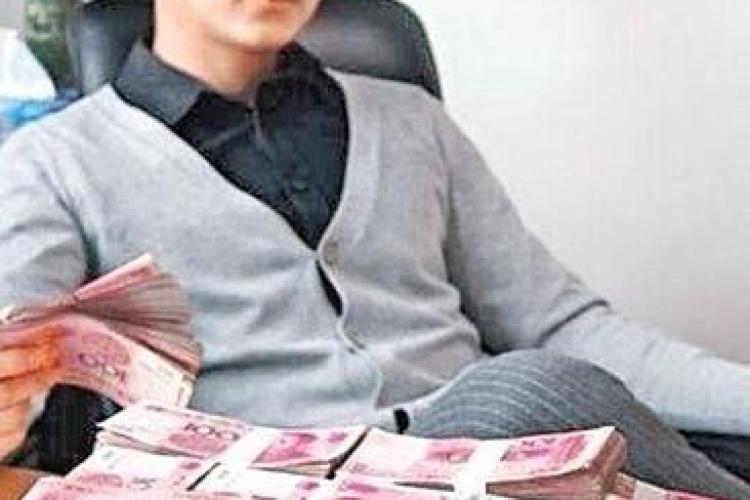 Un tânăr din China oferă peste 170.000 de dolari unei fete pentru a ieși la o întâlnire