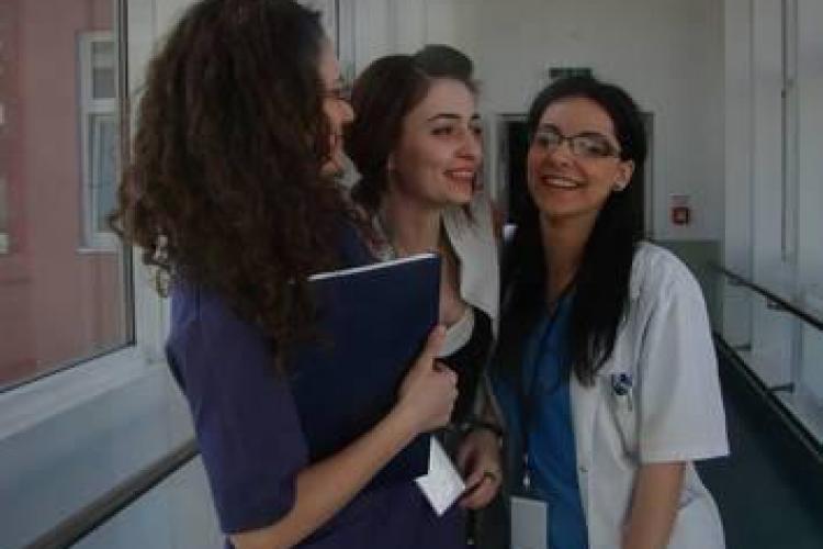 Imagini emoționante cu studenta Aura Ion, oferite de PRIETENI - FOTO