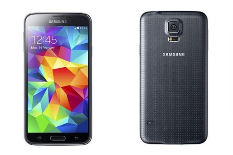 Noul Samsung Galaxy S5 făcut praf de HTC și Nokia FOTO