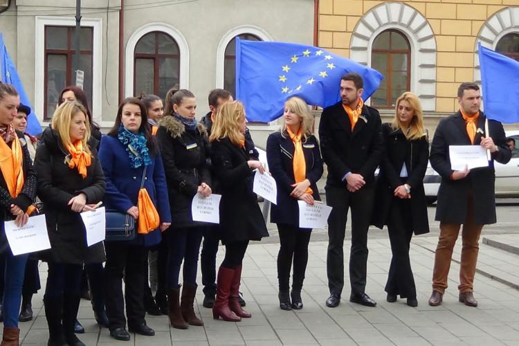 """Tinerii din PDL Cluj sunt solidari cu protestatarii din Ucraina: """"Este datoria noastră"""" FOTO VIDEO"""