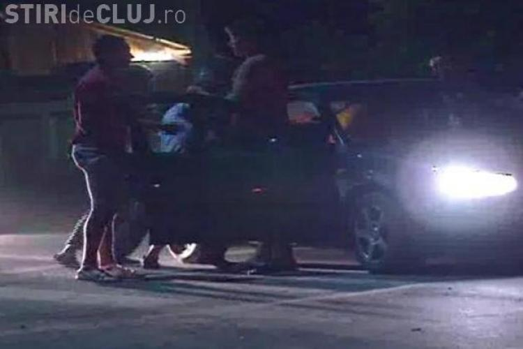 Bătaie între tineri pe Calea Mănăștur! Unul dintre ei s-a pus în fața unei mașini