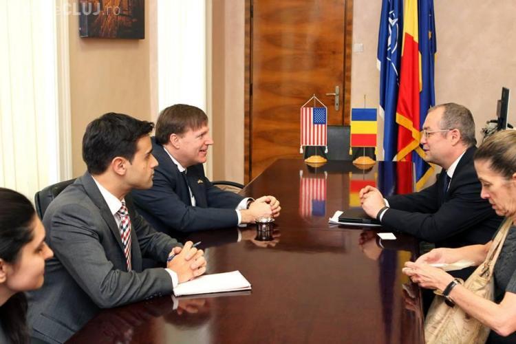 Oficiali de la Ambasada SUA, în vizită NUMAI la Primăria Cluj-Napoca - FOTO